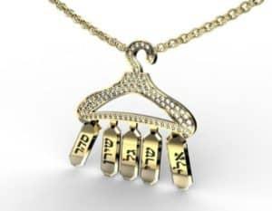 שרשרת עם השם משובצת יהלומים - תכשיטי שמות